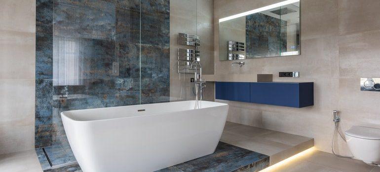 Bath tub in a bathroom.