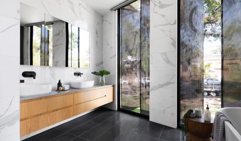 Modern bathroom layout